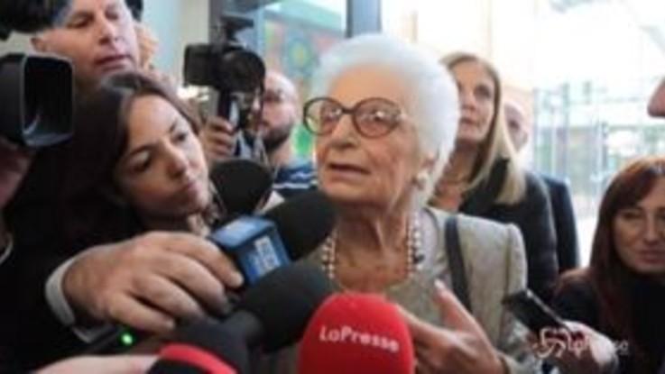 """Insulti a Liliana Segre, la senatrice a vita: """"Gente malata, ma io resisto a ogni bastonata"""""""