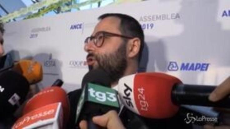 """Alitalia, Patuanelli: """"Ci sono condizioni di mercato per il rilancio"""""""