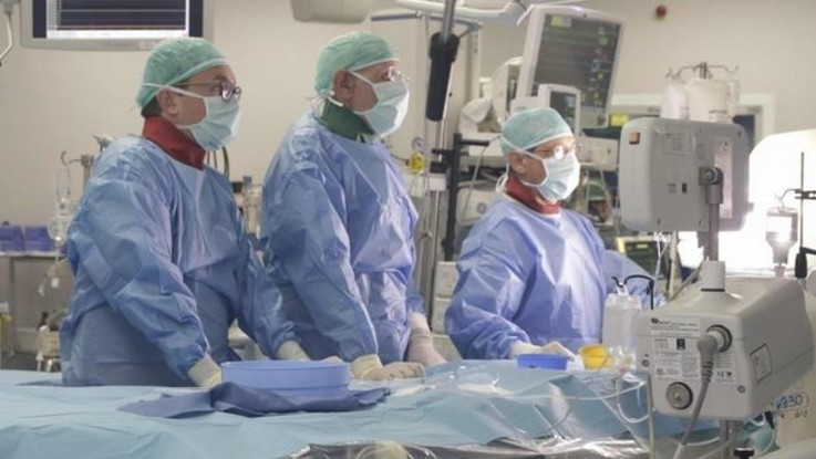 Milano, a Niguarda sostituzione di valvola aortica in ipnosi su 82enne