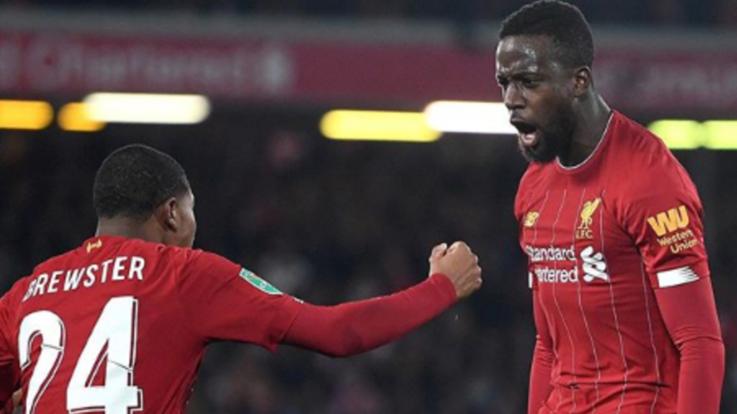 League Cup, Pazzesco Liverpool-Arsenal: dieci gol in 90'. Passano Klopp, City e United