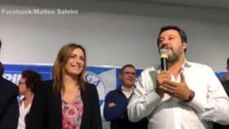 """Salvini, durante comizio a Parma segna Suso con la Spal: """"Allora è ovvio che vinciamo in Emilia Romagna"""""""