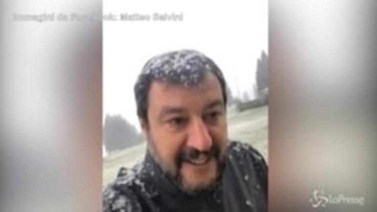 """Governo, Salvini: """"Si pestano come fabbri. Zingaretti? Lo hanno visto con gli orsi"""""""