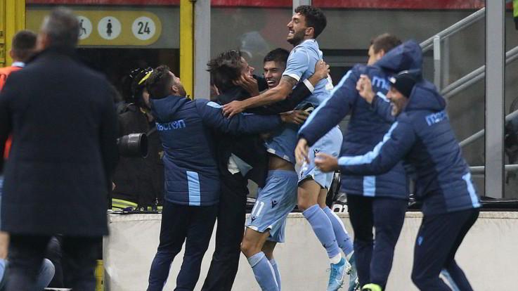 Serie A, il Milan lotta ma si spegne nel finale: la Lazio sbanca San Siro