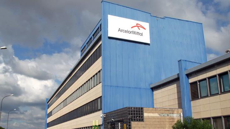 Ilva, Arcelor Mittal lascia lo stabilimento di Taranto