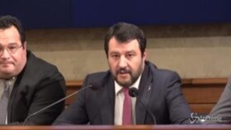 """Salvini: """"Condanniamo razzismo, ma vale più un operaio dell'Ilva che dieci Balotelli"""""""