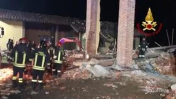 Esplosione in una cascina, morti due vigili del fuoco ad Alessandria