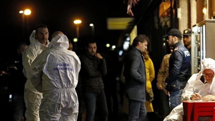 Roma, rapina in un bar: morto uno dei due ladri. Grave il titolare