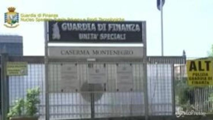 """Darknet, sgominato il """"Berlusconi Market"""": annunci online di merci e servizi illegali"""