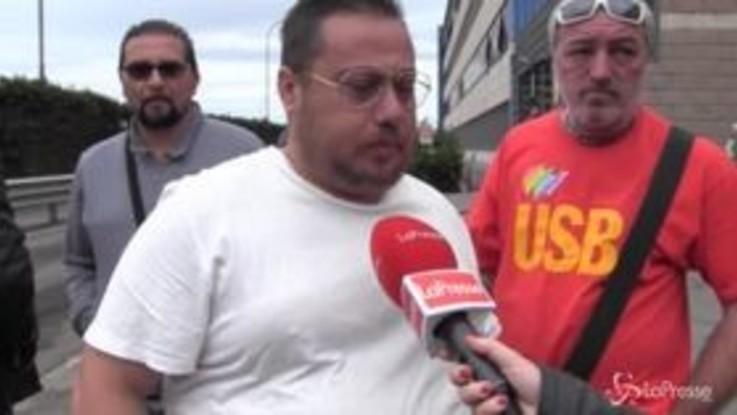 """Ex Ilva, lavoratori in cassa integrazione: """"Siamo fantasmi dimenticati da tutti""""c"""