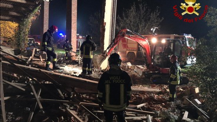 Alessandria: esplosione in cascina, c'è un fermo