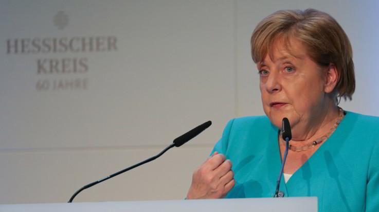"""Muro di Berlino, Merkel: """"La democrazia non è scontata, l'Europa la difenda"""""""