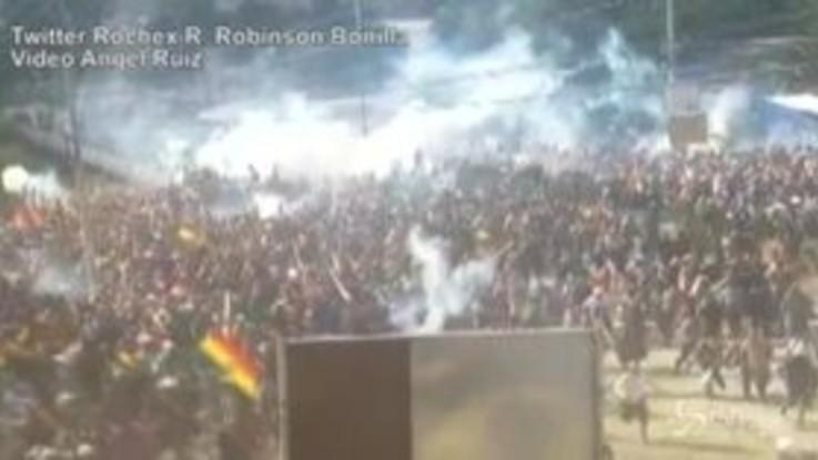 Bolivia: 8 morti a Sacaba, la polizia attacca i manifestanti pro Morales