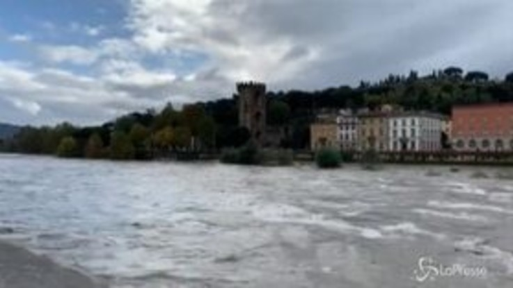Maltempo: a Firenze preoccupa la piena dell'Arno
