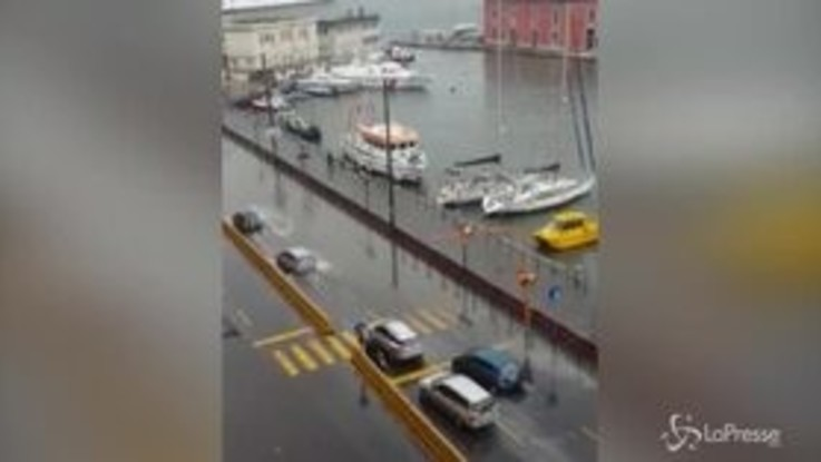 Napoli e provincia nella morsa del maltempo