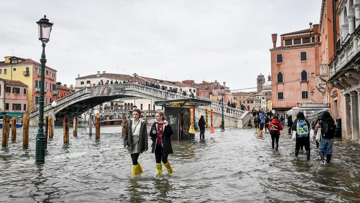 Il maltempo flagella l'Italia, allerta rossa e fiumi esondati