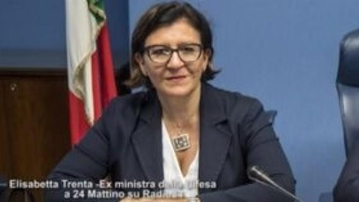 """L'ex ministra Trenta: """"Mio marito ha presentato rinuncia per l'alloggio, traslocheremo"""""""