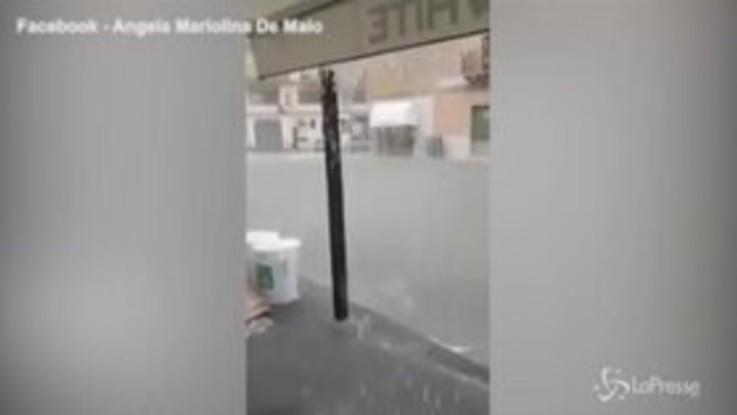 Allagamenti a Licata, fiume d'acqua per le strade: le auto come motoscafi