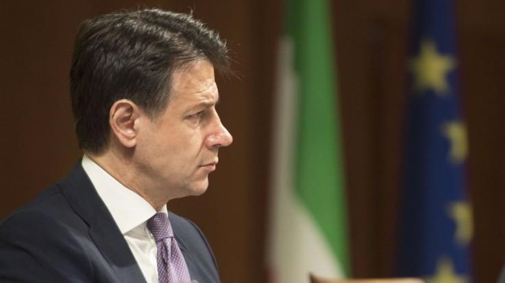 "Mes, Conte sfida Lega: ""No a sovranismo da operetta"". Salvini: ""Smemorato o bugiardo"""