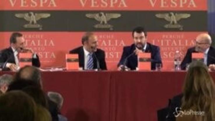 """Salvini: """"Un governo con Renzi? Più facile vedermi con la maglia dell'Inter"""""""