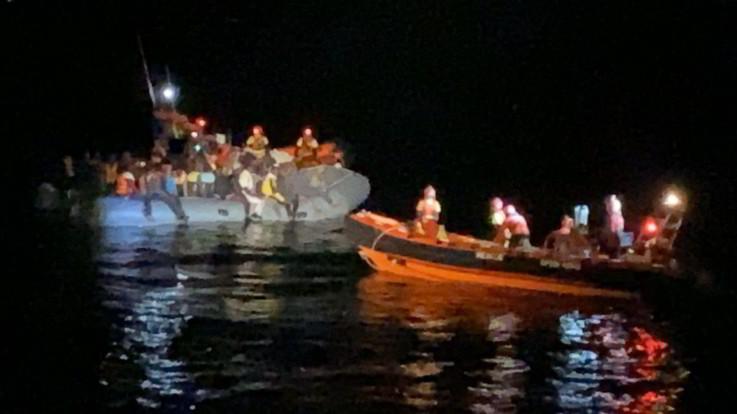 """Open Arms: """"Soccorsa imbarcazione con 73 migranti a bordo"""""""
