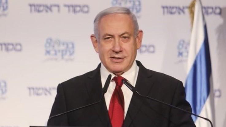 Israele, Netanyahu incriminato per corruzione
