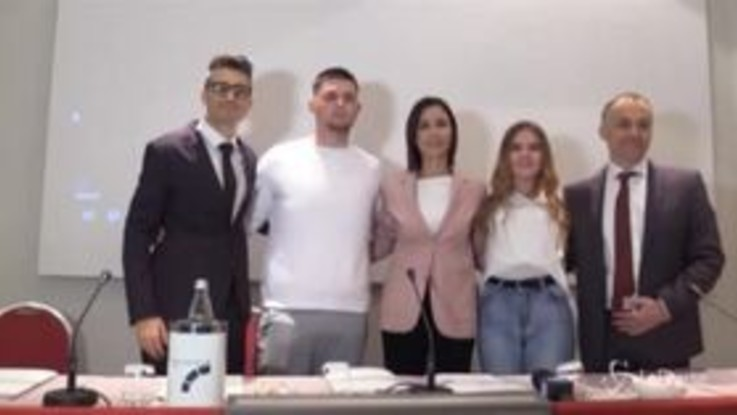 """Femminicidio, Mara Carfagna lancia una nuova campagna: """"Il governo sblocchi i fondi"""""""