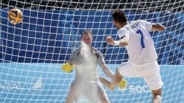 Mondiali Beach Soccer, l'Italia travolge 12-4 Tahiti