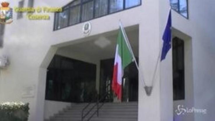 Reati fiscali a Cosenza: interdetti a 5 commercialisti
