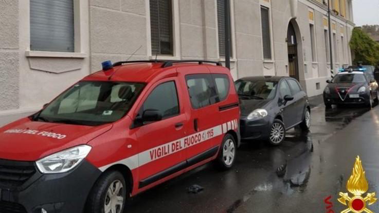 Incendio in sottotetto sui Navigli a Milano: morti un ragazzo e una ragazza