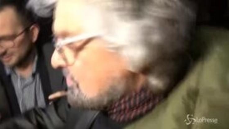 """Grillo arriva a Roma e schiva i cronisti: """"Siete diventati comici voi"""""""