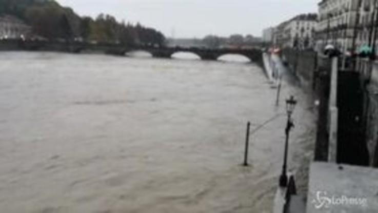 Maltempo: il Po fa paura a Torino