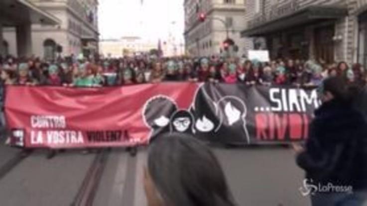 """Violenza sulle donne, Bonafede: """"Emergenza sociale"""""""