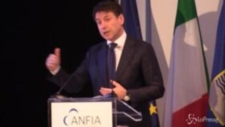"""FCA, Conte: """"Nuova produzione di auto ibride nello stabilimento di Melfi"""""""