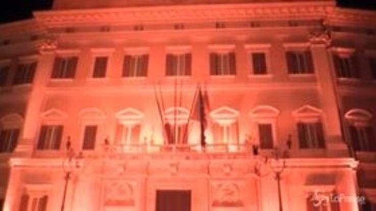 Violenza sulle donne, facciate di Camera e Senato tinte di arancione