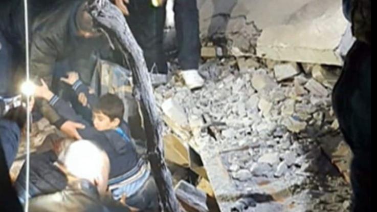 Forte terremoto in Albania. Magnitudo 6.5. Crolli e vittime. Il sisma sentito anche in sud Italia