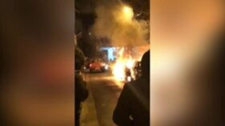 Terremoto in Albania: auto si incendia dopo il sisma