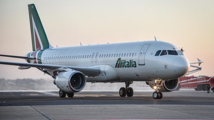 """Alitalia, Patuanelli: """"Per ora nessuna soluzione mercato"""""""