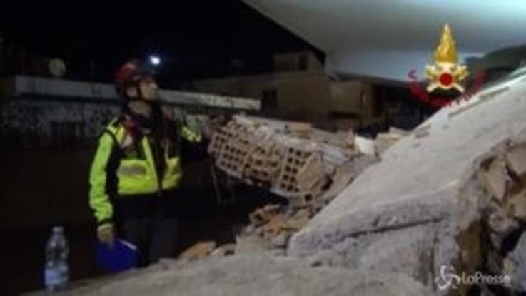 Terremoto in Albania, anche i Vigili del Fuoco italiani al lavoro tra le macerie