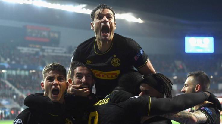 Champions, Lautaro e Lukaku schiantano lo Slavia. Inter vede gli ottavi