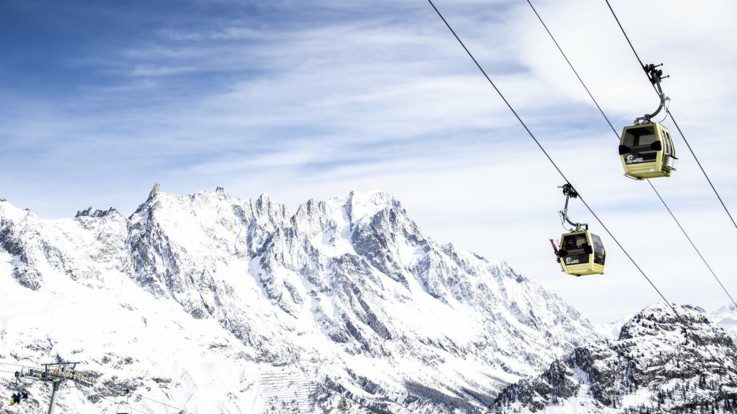 Valanga in quota sul Monte Bianco: morti due sciatori
