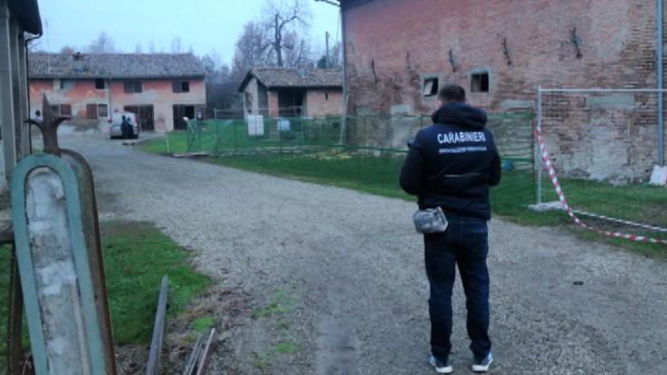 Bologna, sente rumori in casa: spara e uccide un uomo