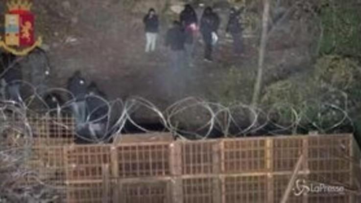 Tav, scontri tra manifestanti e polizia al cantiere di Chiomonte