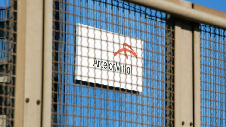 """Ex Ilva, Mise: """"Nessuna lettera di ArcelorMittal per la risoluzione del rapporto"""""""