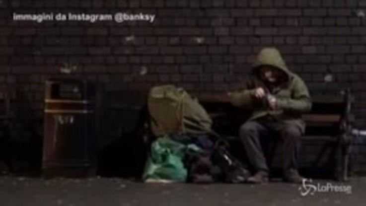 Banksy: il murale delle renne con il senzatetto commuove Instagram