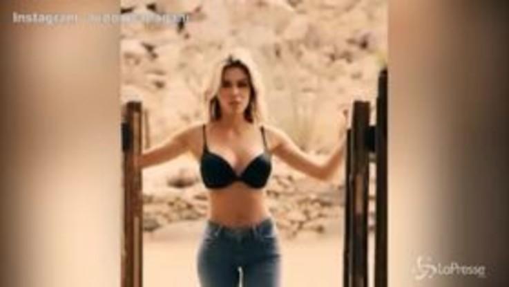 Ludovica Pagani, sexy cowgirl in uno spot