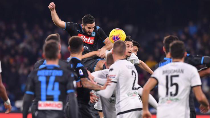 Calcio, Serie A: Il Napoli battuto in casa dal Parma 2-1