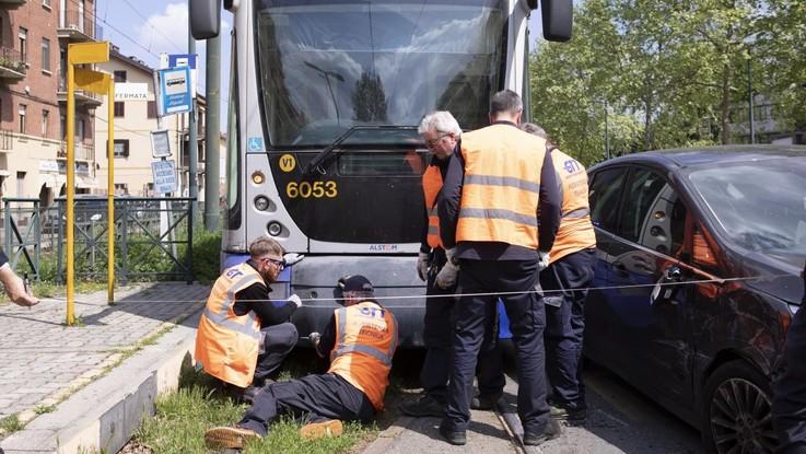 Torino, tram investe pedone e lo uccide