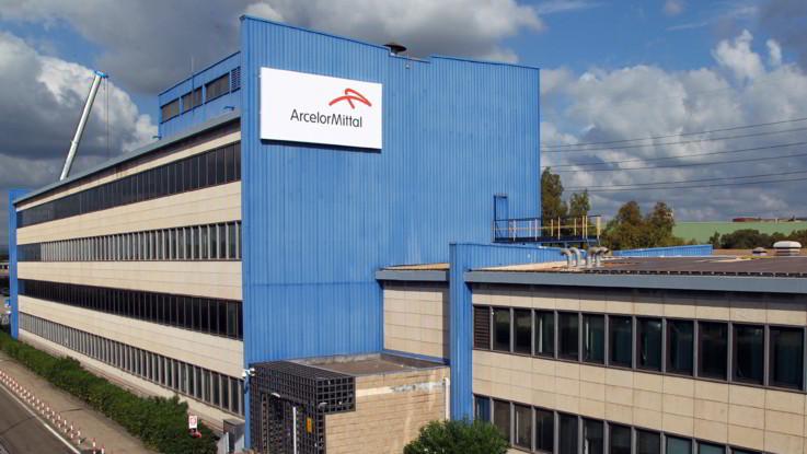 Ex Ilva, ArcelorMittal e commissari firmano l'intesa