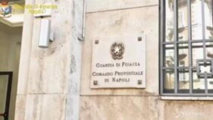 Napoli, sequestrata 1 tonnellata fuochi d'artificio illegali: due arresti