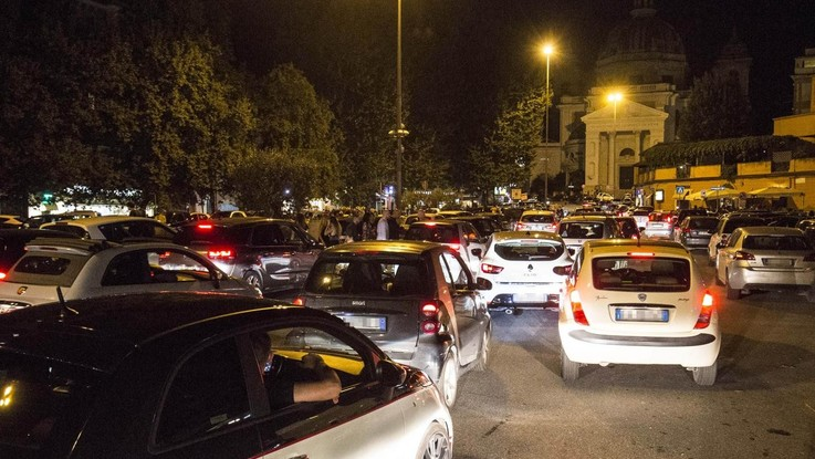 Roma, due 16enni travolte e uccise a Ponte Milvio: conducente positivo ad alcol e droga